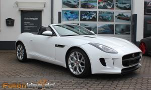"""Jaguar XKR Cabrio: Vollfolierung in """"weiß hochglanz"""""""