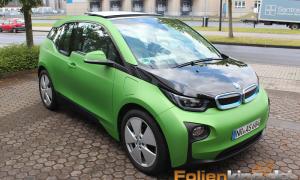 "BMW I3: Teilfolierung in ""grün matt mettalik"""
