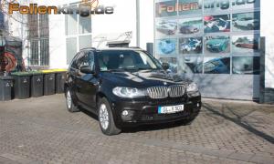 """BMW X5: Vollfolierung in """"schwarz glänzend"""""""