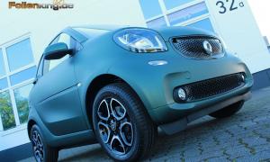 """Smart 453: Vollfolierung in """"dunkelgrün matt metallik"""""""