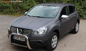 "Nissan Qashqai: Vollfolierung in ""grau matt metallik"""